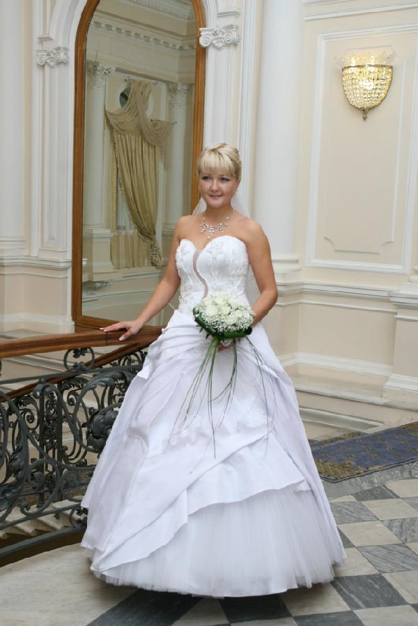 Закрытые свадебные платья. Комментарий: заметку. как продать свадебное платье